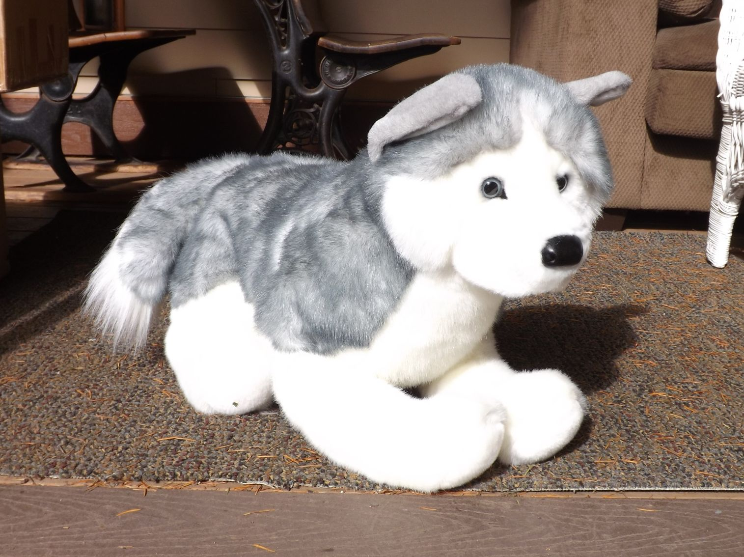 D1873-Barker-Large-Stuffed-Husky-Dog