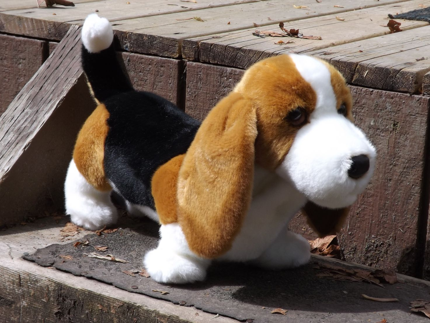 D2012-Stuffed-Bassett-Hound-Dog