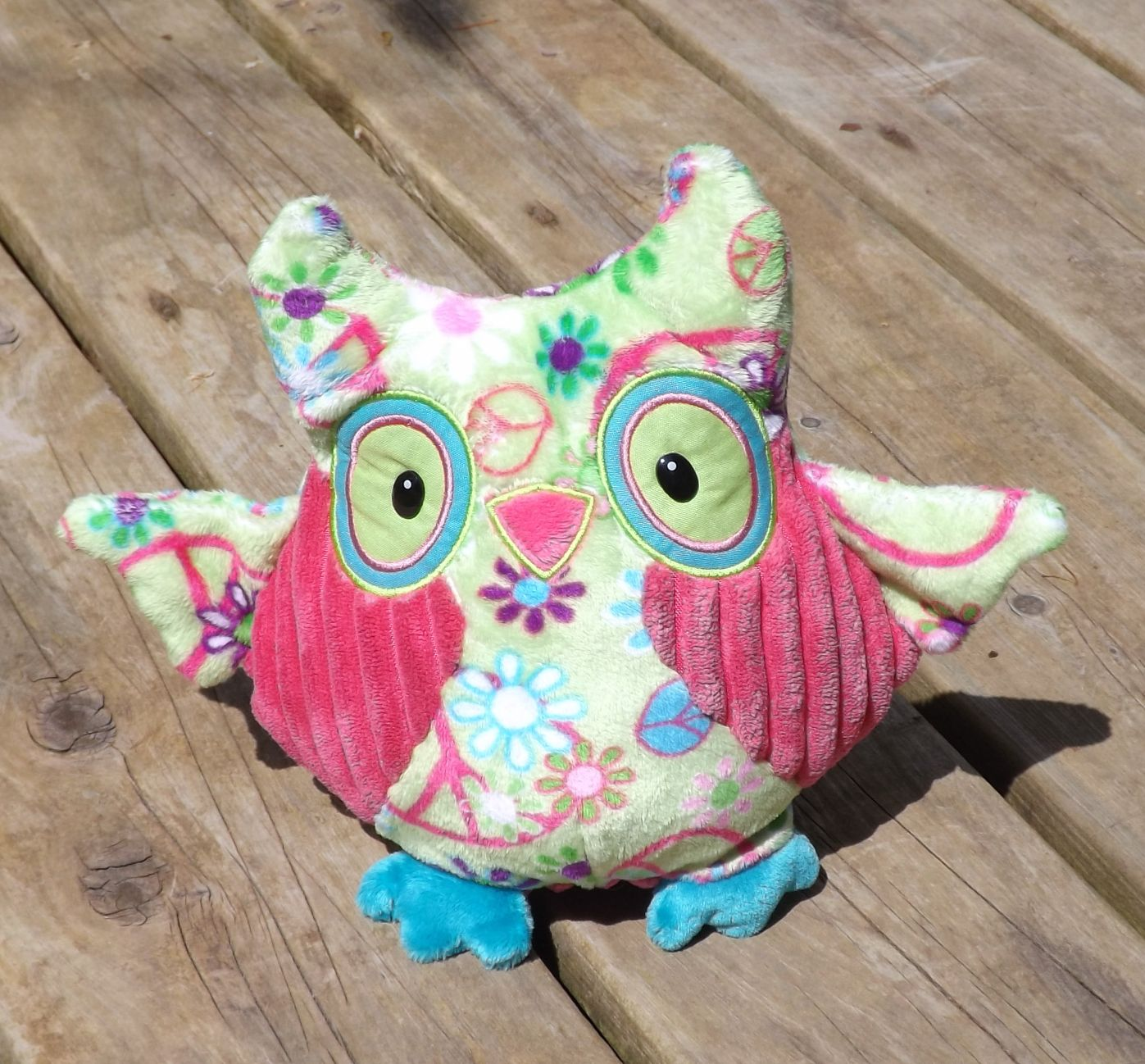 D4235-Logan-Colorful-Owl