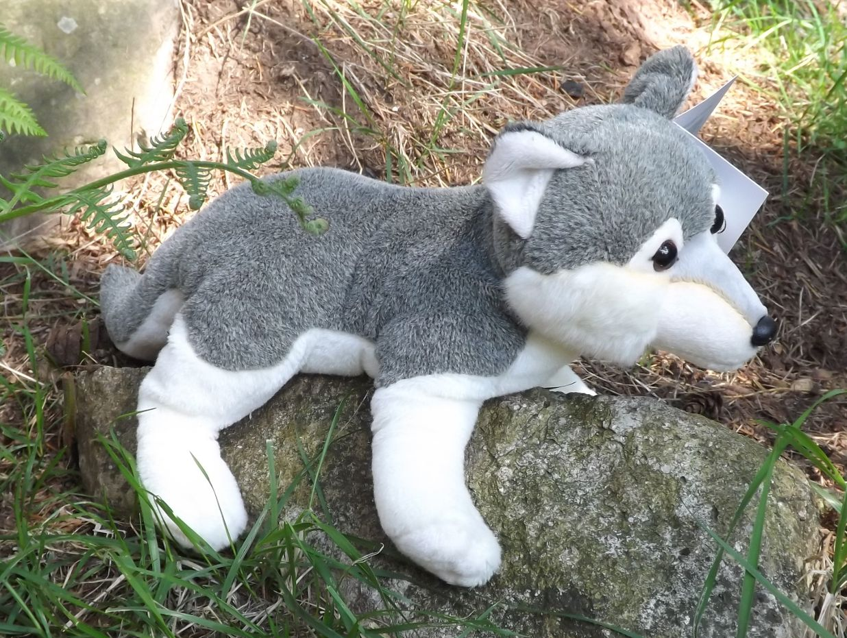 L090910-Plush-Toy-Wolf-Stuffie