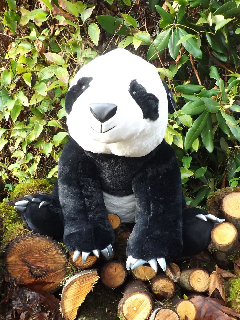 Z3904-Large-Stuffed-Panda-Bear-with-Claws